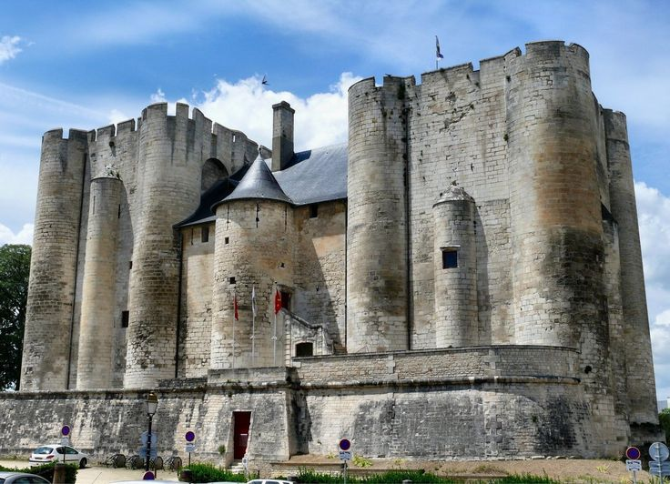 Donjon de Niort or Château de Niort (the former is most often used today) is a medieval castle in the French town of Niort in the département of Deux-Sèvres. It consists of two square towers, linked by a 15th-century building and dominates the Sèvre Niortaise valley. The two donjons are the only remaining part of the castle. The castle was started by Henry II Plantagenet and completed by Richard the Lionheart. It was defended by a rectangular curtain wall and was damaged during the Wars of…