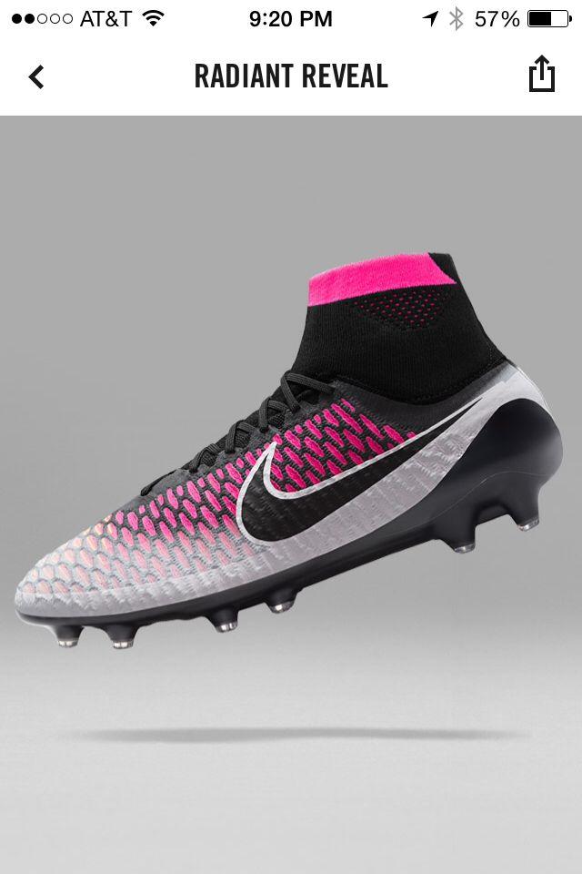 Nike magista Obra radiant reveal pack