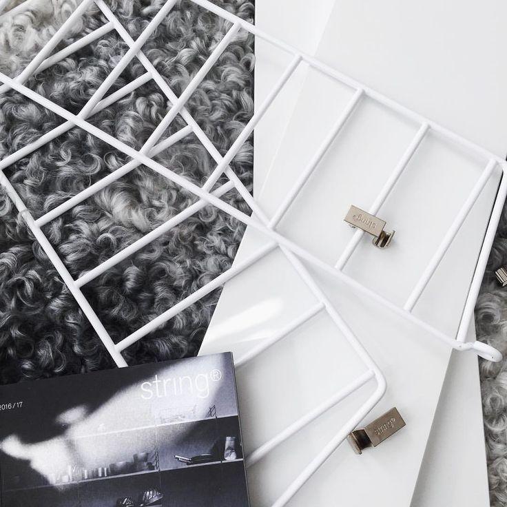 Ett nytt tillskott till familjen  Hoppas att ni alla har en riktigt härlig tisdag ✨   E  #stringhylla#stringshelf#stringfurniture #Interior123#Interior4you#Inredningsdetaljer#Inredning#interior#interiör#skandinaviskehjem#Kaptensgatan2#Kvadrat52#unikingenannanlik#rebeqqa#Loppis#Inredmedloppis#Interior#Interiör#Nordiskehjem#myhome#mitthem#finahem##skandinavianhomes#skönahem#homedecor#nordichomes#instahome#mostamazinginterior#designadehem#hemtilloss