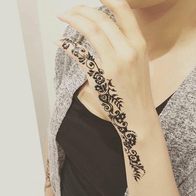 New The 10 Best Tattoo Ideas Today With Pictures نقش حناء ممكن متابعة ليصلك كل جديد Tatuajespequenos Tatua Henna Designs Henna Tattoo Hand Hand Henna