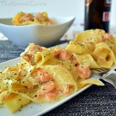 Creamy Spanish salmon pasta recipe, get this easy to cook and yummy Spanish dish! - Spanish food and cuisine