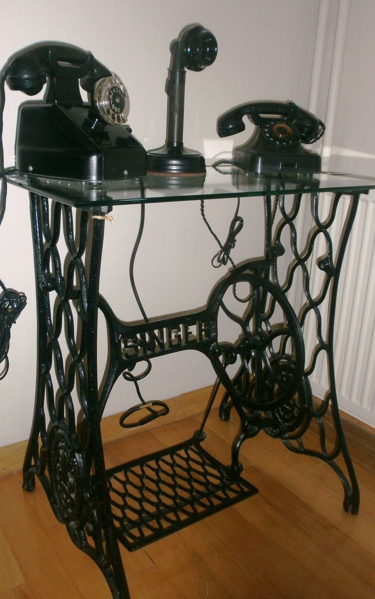 DIY..Antique telephones on the old sewing machine ( by Arzu )