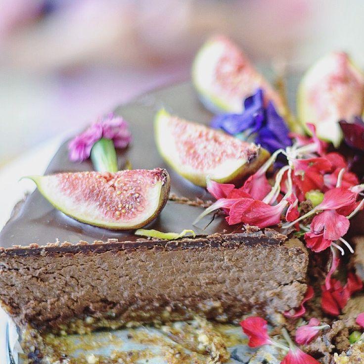 Chocolate mousse cake - paleo, primal, vegan