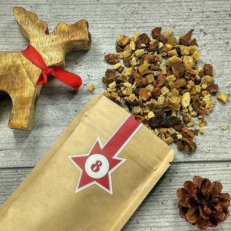 """Hallo liebe Teefreunde   Tag 8 - Türchen 8  Heute präsentieren wir Ihnen eine Tee Sorte aus unserem Sortiment von gestern   Gestern war es ein Kräutertee  N005 Mango/ Ingwer  """"Macht hoch die Tür die Tor macht weit - Weihnachten  ist Tee Zeit!""""  Wir wünschen euch allen einen schönen und gemütlichen Abend   #21uhrtee #tee #teelux #teeliebhaberin #teeliebhaber #teeliebe #teegenuss #teeabend #teeladen #Weihnachtsduft #mangoigwer #русскаягермания #русскийберлин #kräutertee #чайныймагазин…"""
