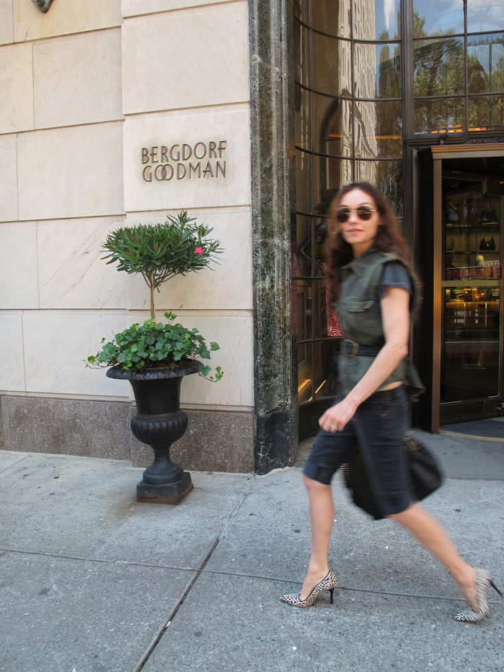 Visiting my Bergdorf Goodman store. Xk