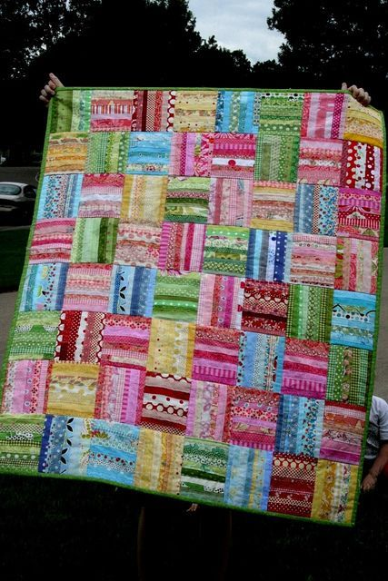 Very effective and a great way to use up small bits of fabric.  Love the color combo!!!
