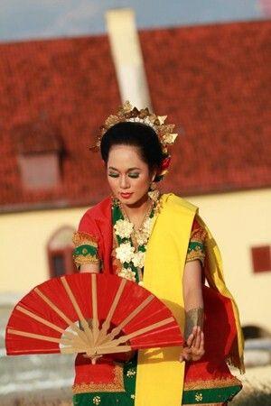 pakarena dance,makassar, indonesia