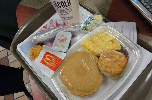 McDonald's+Big+Breakfast+with+Hotcakes