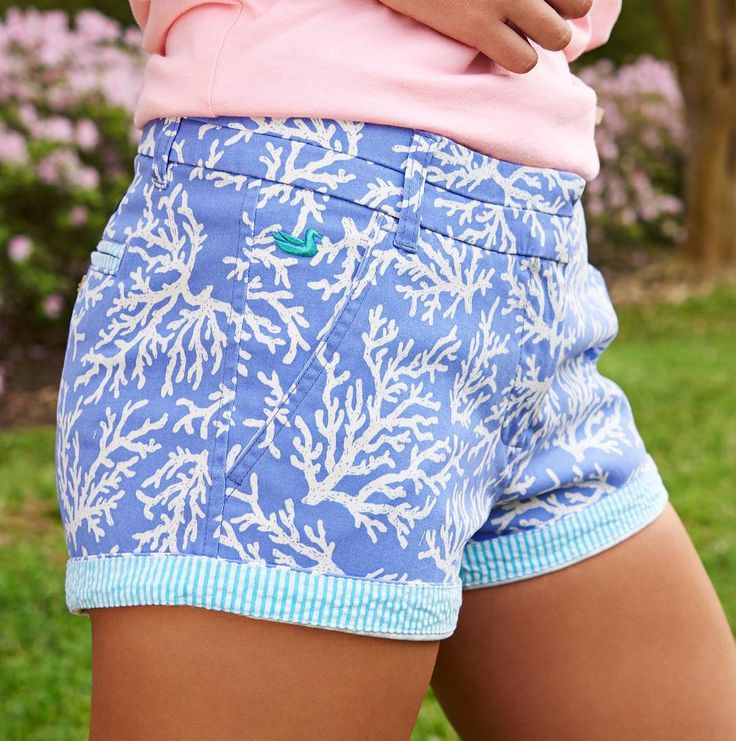 Ladies: Love shorts? Love Southern Marsh? Welp, now you can have both with these The Brighton Printed Reef Short in Lilac Purple by Southern Marsh. Enjoy the beautiful summer days while sporting equally as beautiful shorts. #CCP #SouthernMarsh