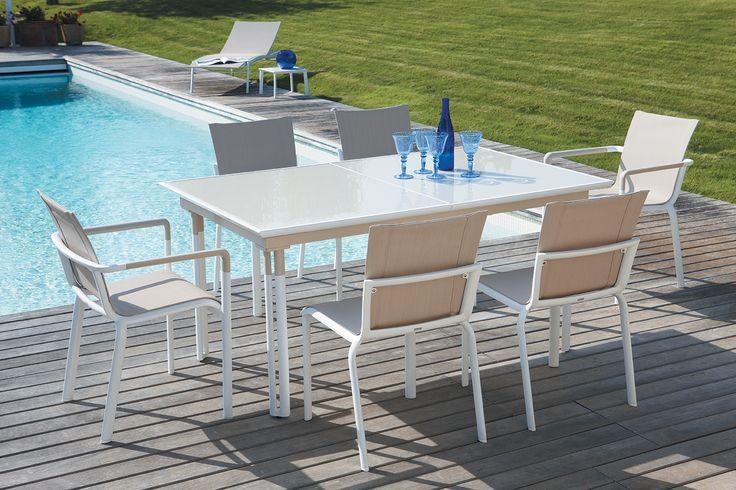 Qu'il est agréable de déjeuner au soleil autour de cette table #CapSud de #Beauréal.