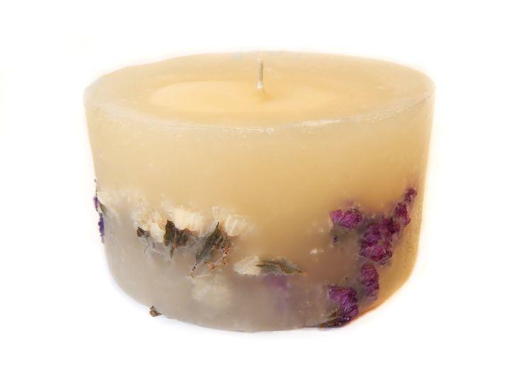 Romantic candle #girls #handmade #candles #romantic #etsy #vanilla #kirofos https://www.etsy.com/shop/Kirofos?ref=l2-shopheader-name