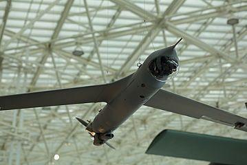 ¿Qué son los UAV's y/o drones? :http://www.xdrones.es/2015/05/que-son-los-uavs-yo-drones/