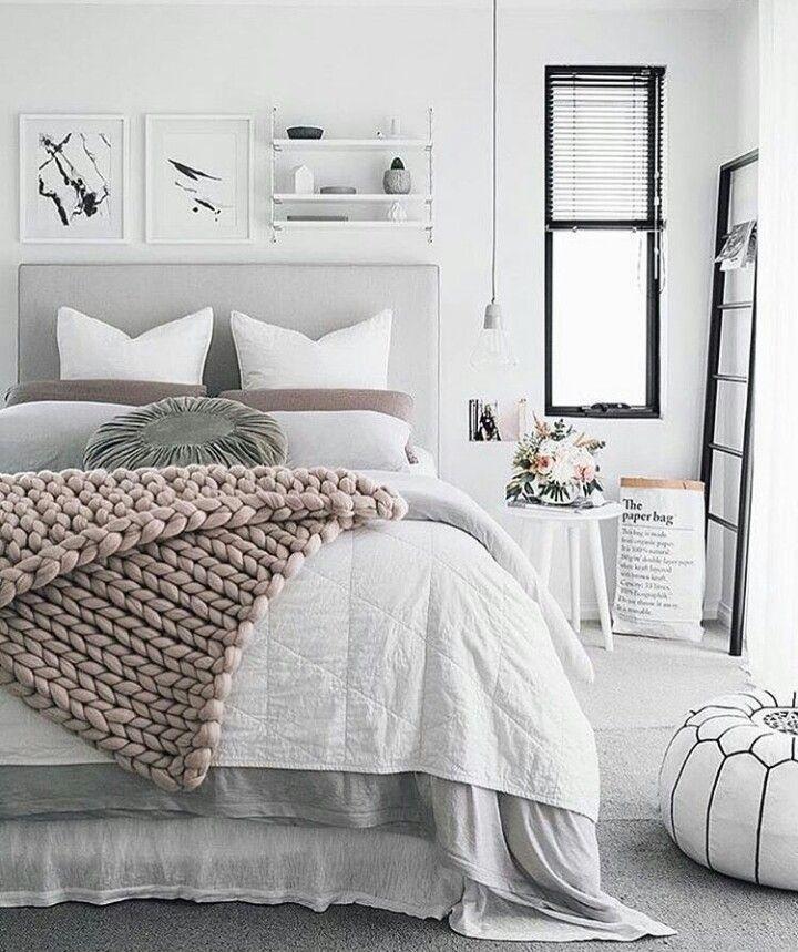 Schlafzimmer Einrichten: Schlafzimmer In Weiß Mit Ein Paar