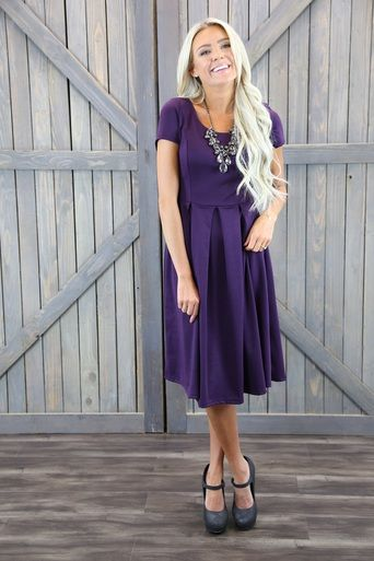 Change up the shoes, add some more bling and a clutch and you've got a Friday night winner! This is the Ivy dress in violet :)