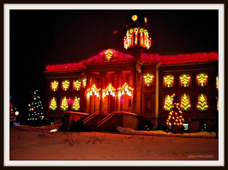 """""""Old Kitchener City Hall"""" decorated for Christmas"""