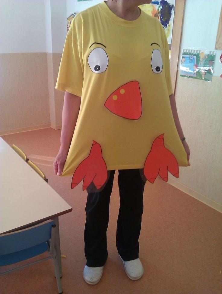 Continuamos trabajando con los niños este simpático personaje, el entrañable: POLLO PEPE.  Las aulas de 2-3 años ya conocen a la perfección ...
