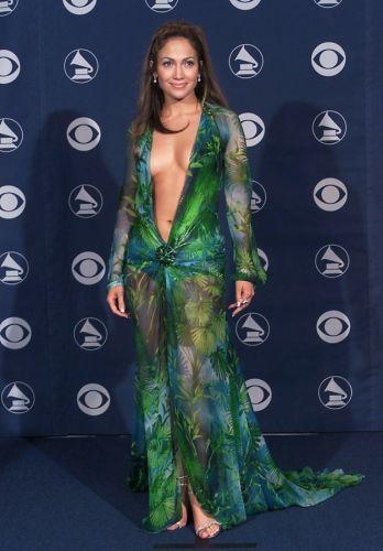 Vestidos famosos: JLo y su vestido verde en los Grammy | Blog sobre moda