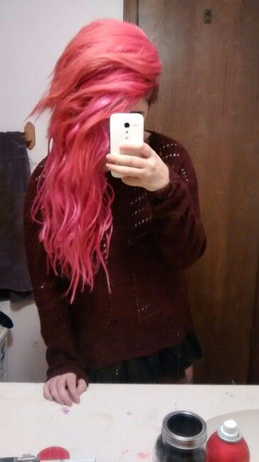 Pink scene hair (me) follow me on insta if you like pink hair :D pinkieplanet