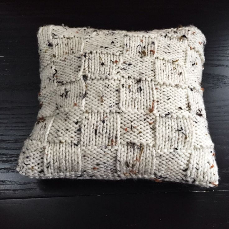 Basket weave knitted cushion cover - beginner project