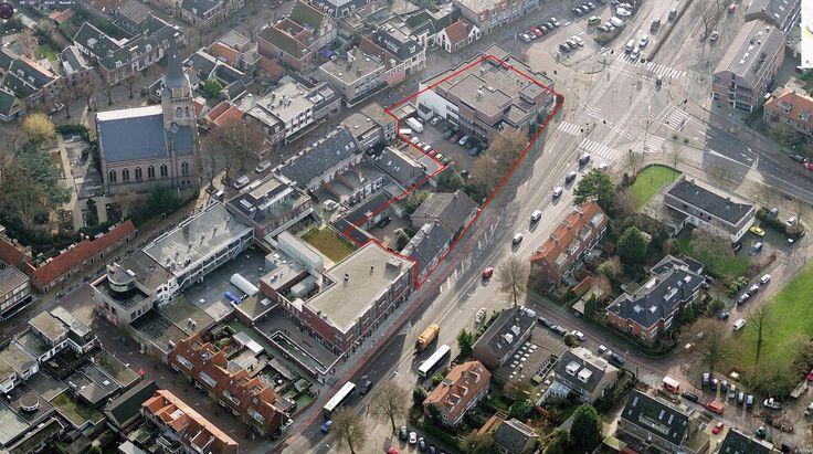 Luchtfoto van de projectlocatie geprojecteerd van het hoofdgebouw van het Deltaplein project in het centrum van Voorschoten
