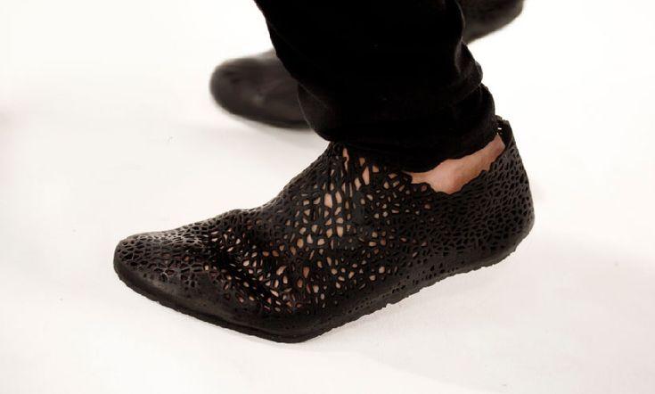 3D printed XYZ shoes by earl stewart