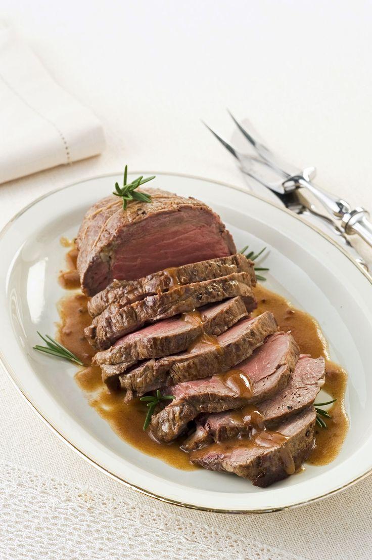 Impara a cucinare uno squisito filetto arrosto seguendo la ricetta su Sale&Pepe. Un piatto facile da realizzare ma dal sapore unico e irresistibile.