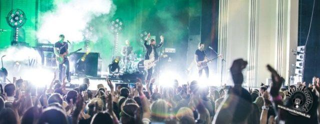 Max Giesinger live bei seinem Konzert in der Lichtburg Essen. Weitere Fotos entdeckt ihr auf der Webseite :) Foto: David Hennen, Musikiathek