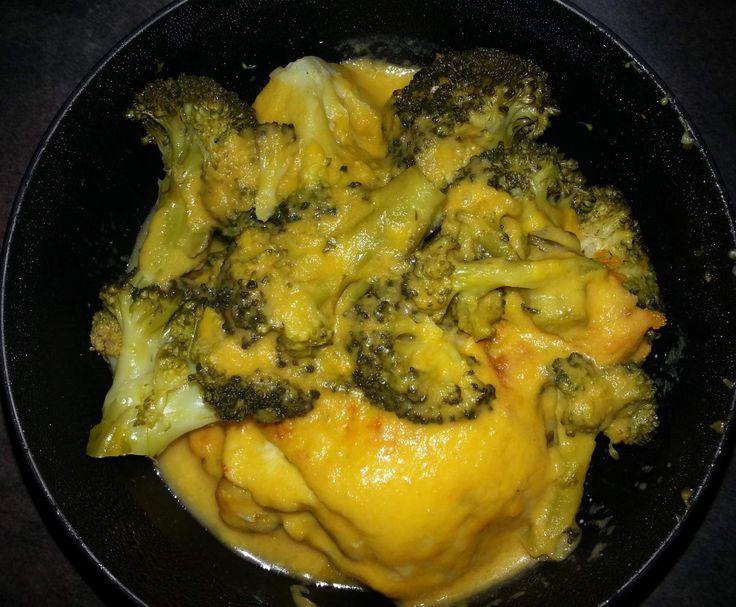 Recette brocolis au poulet avec sa sauce carotte par adelinea52 - recette de la catégorie Plat principal - divers