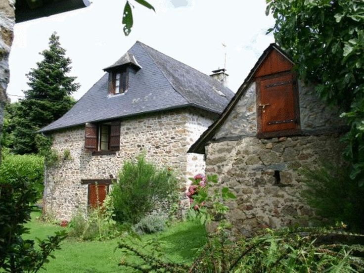44 best images about french country home designs on pinterest for French provincial homes for sale