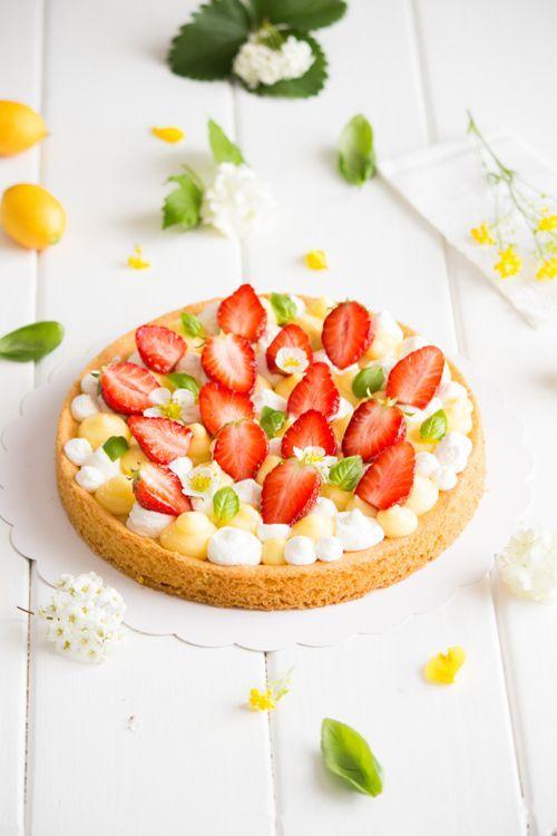 Cela faisait un petit moment que j'avais repéré ces tartes façon Fantastik chez mes copines blogueuses et elles me donnaient très envie. ...