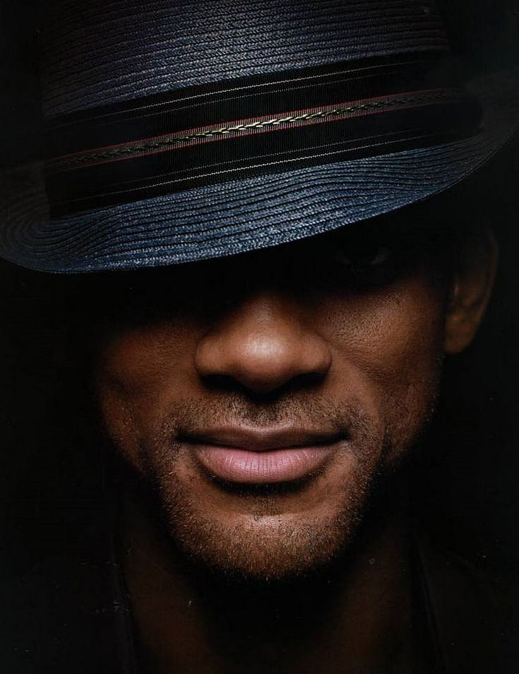 Will Smith just seems like a genuine man and easy on the eyes too...bonus! Lol. Love the hat.