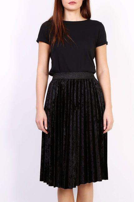 48703e8b70e3 Čierna plisovaná stredne dlhá sukňa