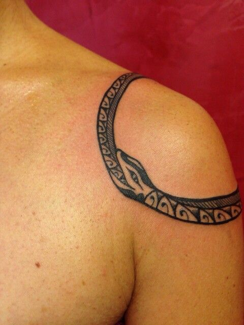 Uroboro tattoo