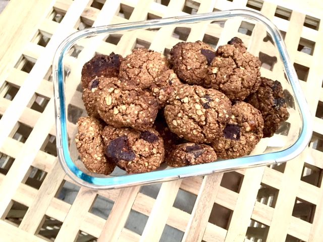 Choco Chip Cookies van havermout, pecannoten en pure chocolade