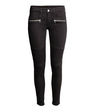 Black. Biker pants in washed, superstretch twill with stitching and decorative seams at knees. Slim legs, regular waist, front pockets, mock front pockets