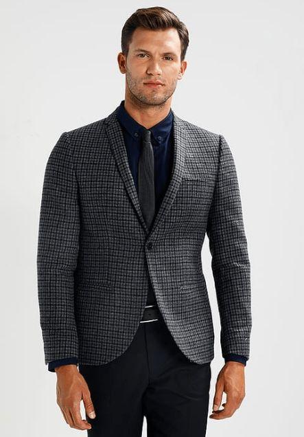 Vestito uomo elegante