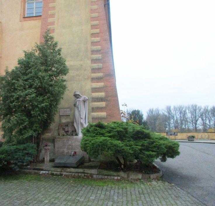 Socha u zámku - Poděbrady - Česko