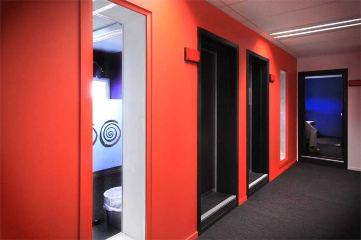 With bursts of colour to reflect its tenant, Element 17 was awarded a Resene Total Colour Commercial Interior – Office Colour Maestro Award for the Radio Network Christchurch. Strong bold, dramatic bursts of colour, just what you would expect from a busy radio environment.  Colour is used to overcome a completely internally focused space that has just one window.