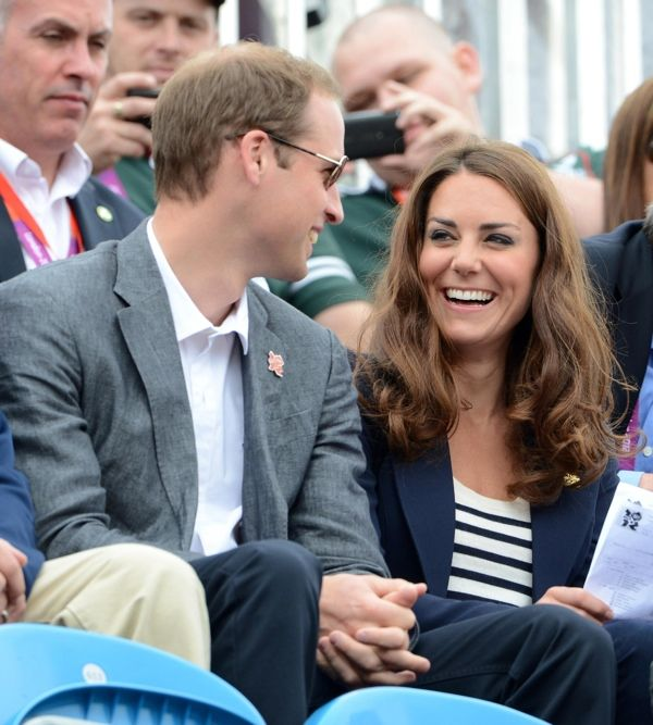 London Olympic Games - Day 4    te in Classic Breton Stripes To Cheer On Zara Phillips, Tops Best Dressed List  Clothing, London 2012 Olympics, Official Appearances, Specific Designers Add comments Jul 31 2012   Kate stayed with her navy Smythe blazer for today's Equestrian competition. Once again several of the young royals were at the London Games to cheer on Zara Phillips, the Queen's granddaughter.