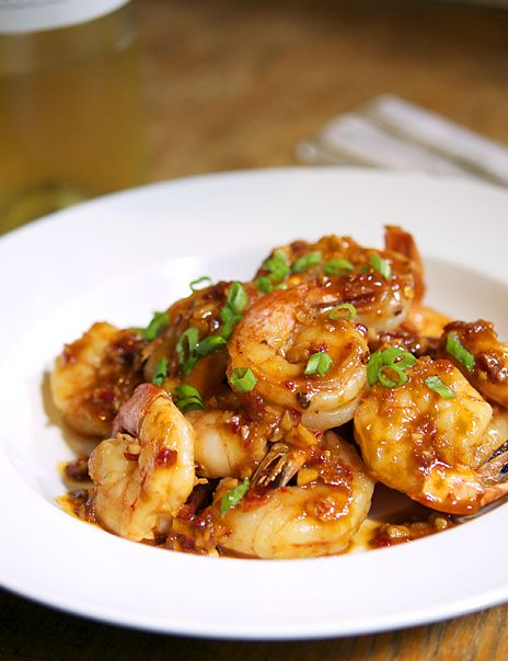 Shrimp with Spicy Garlic Sauce. Coconut oil instead of olive, honey instead of sugar.: Dinner, Seafood Recipes, Sauces, Sea Food, Spicy Garlic, Garlic Sauce, Garlic Shrimp