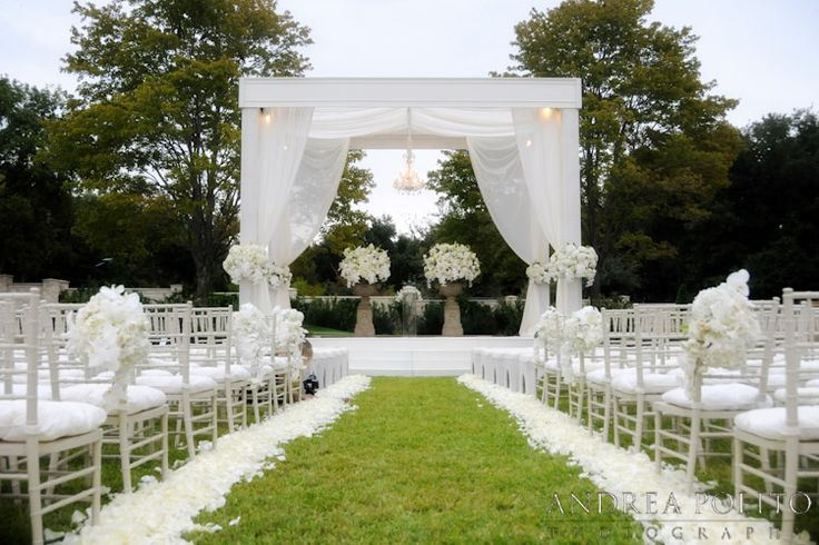 Gorgeous Outdoor Ceremony Venue. All White Wedding