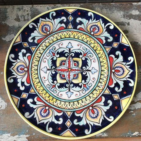 Pra fechar bem a semana!  Para informações sobre valores mandem direct! #ceramica #ceramic #ceramics #cerâmica #arte #art #artista #artist #decoração #decoration #decoracao #pintura #pinturaamao #handmade #lilianacastilho