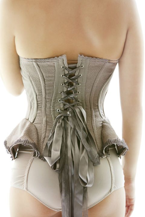 another new name to keep on your radar: Yecca Zeng   #corset #lingerie