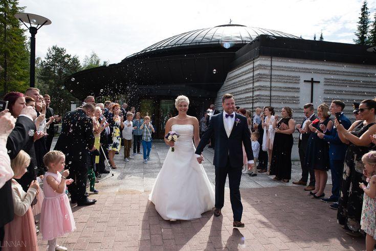 Pyhän luukkaan kappeli, häät, hääkuvaaja oulu. Wedding photographer, Finland.