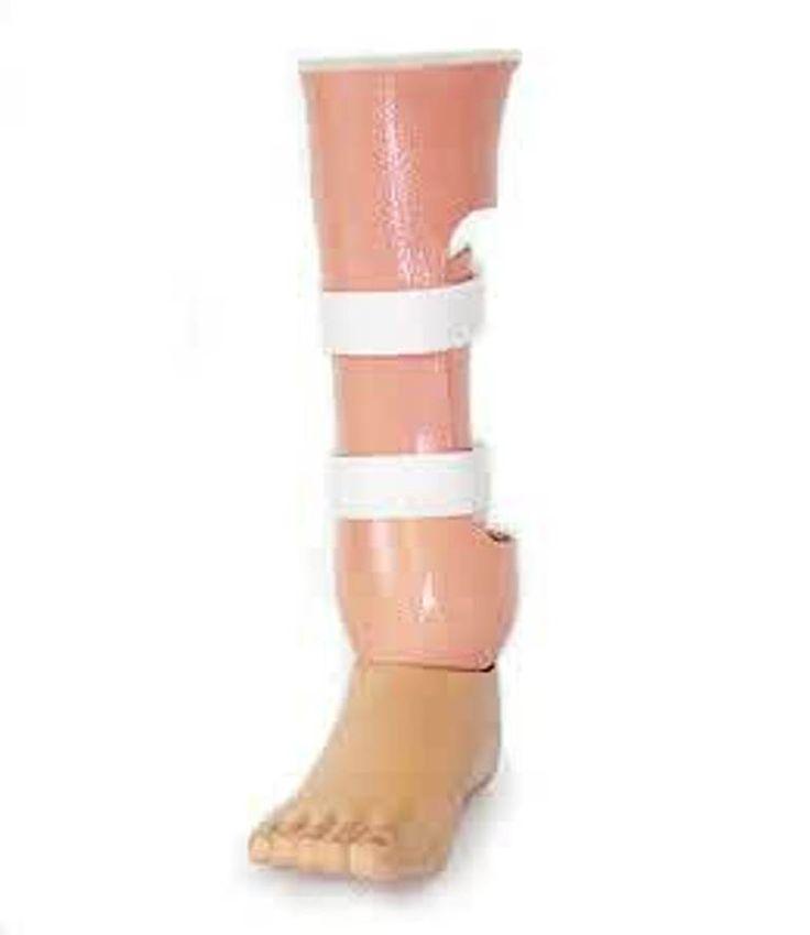 Produk Kaki Palsu Tepat Mata Kaki,  Kaki palsu tepat mata kaki membantu berjalan atau menggerakan kaki secara alami. Dibuat dari bahan-bahan seperti Laminated Socket, Sachfoot Import) , tahan lama, berkualitas tinggi serta sudah diuji layak pakai untuk semua pengguna.  Nasywa Medika