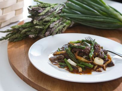 Get this all-star, easy-to-follow Beef Stir-Fry recipe from Trisha Yearwood