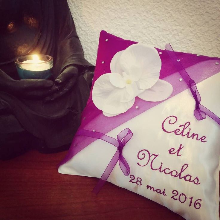 Coussin porte-alliances sur le thème des #orchidées / zen #mariage280516 #mariageenmauve  #mariagethemeorchidees #mariage #ring #weddingparty  #celebration #bride  #bridesmaids  #unforgettable #matrimonio #weddinginspiration #bridal  #forever #weddingplanner #couple #weddingideas #together #ceremony  #destinationwedding #weddingday  #celebrate  #hochzeit #congrats #congratulations #instalove #jourj #fiancailles #engaged by coussin_alliances