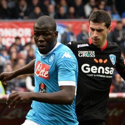 Bek Napoli Targetkan Trofi Liga Europa