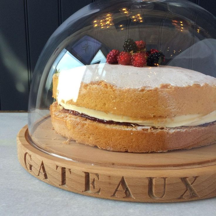 TABLEWARE/BAKE OFF