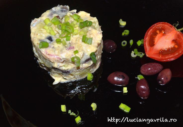 Salată de cartofi cu păstrăv afumat